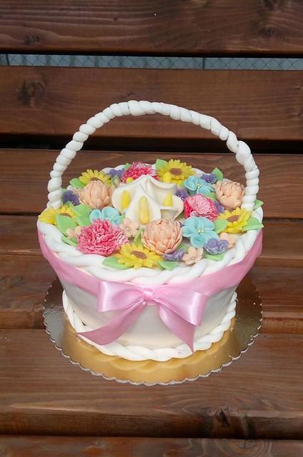 Basket Cake by Bernadett Bauer