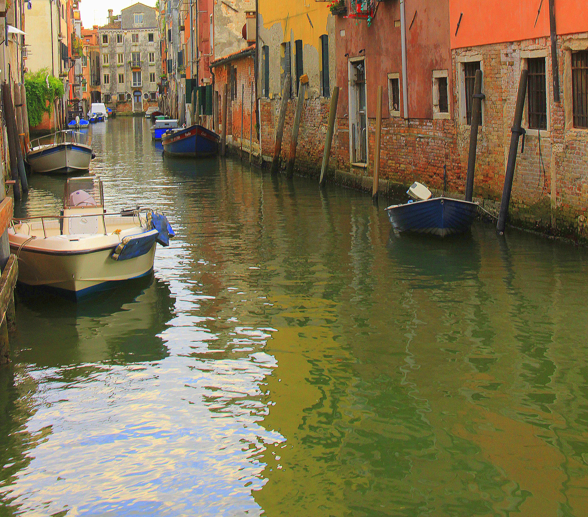 The quiet canals of residential areas of Venice