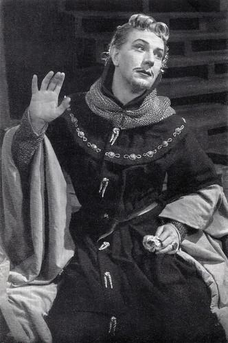 Michael Redgrave in King Richard II