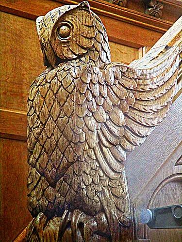 Owl newel