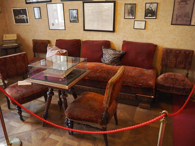 Freud's Sofa - Sigmund Freud Museum, Vienna