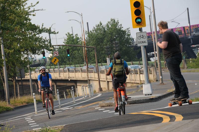 New bike signal Davis and Naito-16.jpg