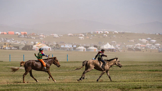 Horse racing - Mongolia, Panasonic DMC-G80, Lumix G Vario 14-140mm F3.5-5.6 Asph. Power OIS