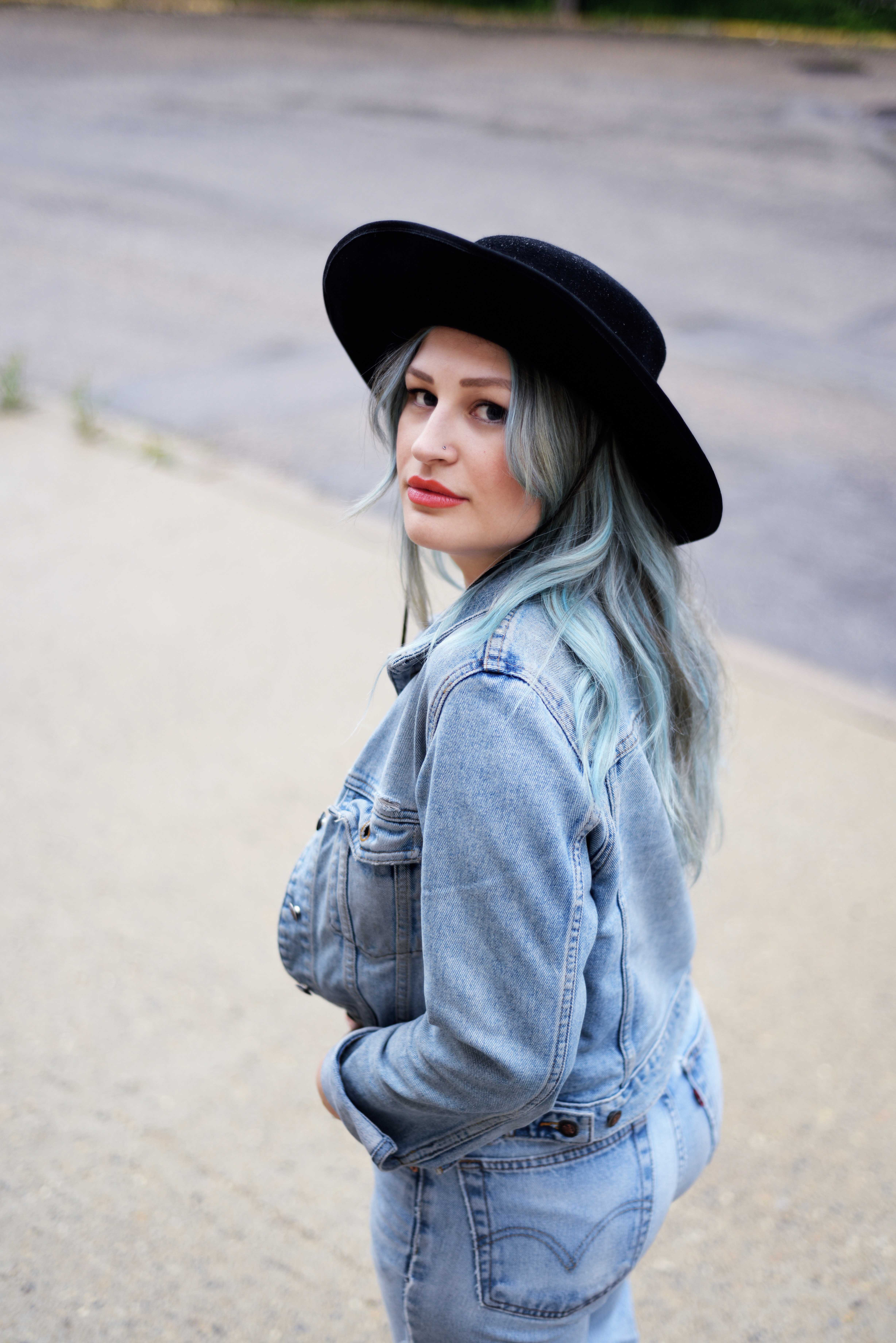 blue-hair-canadian-tuxedo-7