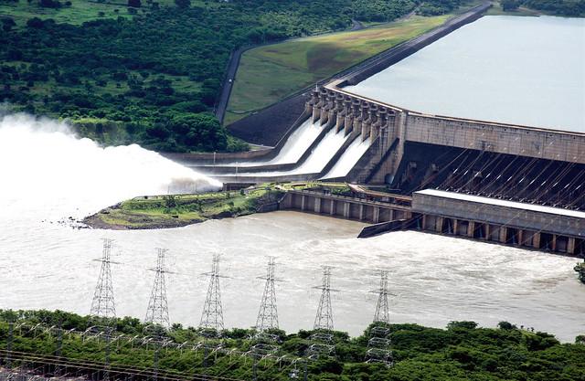 São Simão foi inaugurada em 1978, e possui 1.710 MW de potência instalada - Créditos: Divulgação Cemig