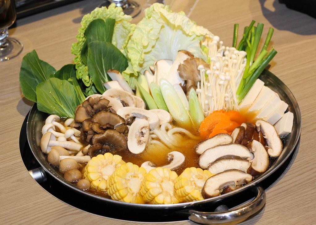 K船长海鲜塔:军队炖菜