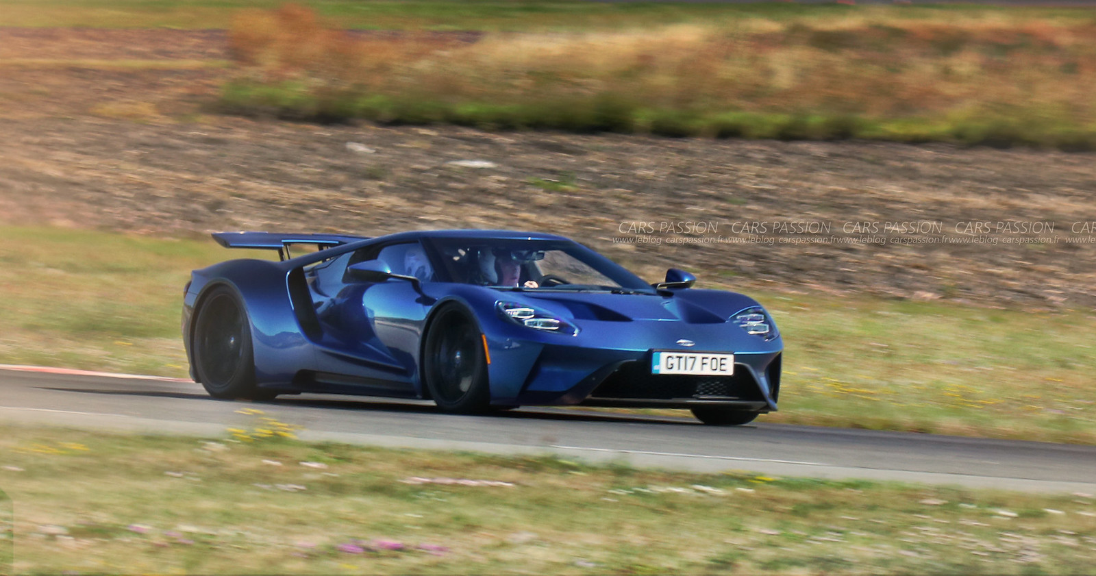 1-Ford-GT-2017-track3