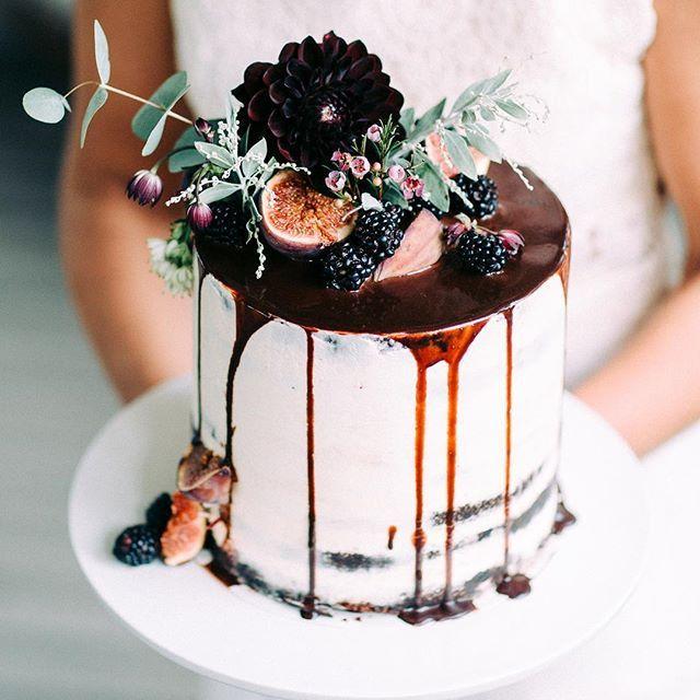 Wedding Photography Ideas : Wedding cake by @gagguikaffela  An old styled shoot together with Pukuni, @a__i_...