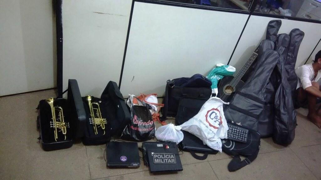 Notebooks e até trompetes roubados de escola são recuperados pela polícia, objetos recuperados PM e PC