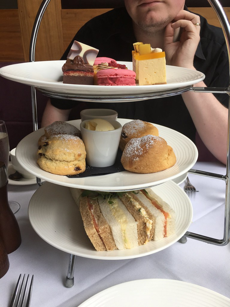 The Mere - afternoon tea