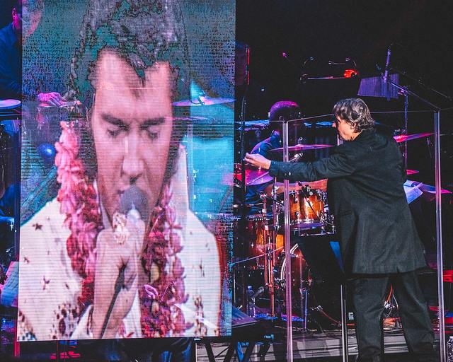 Elvis Live - 8/12