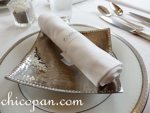 フランス料理テーブルセッティング画像