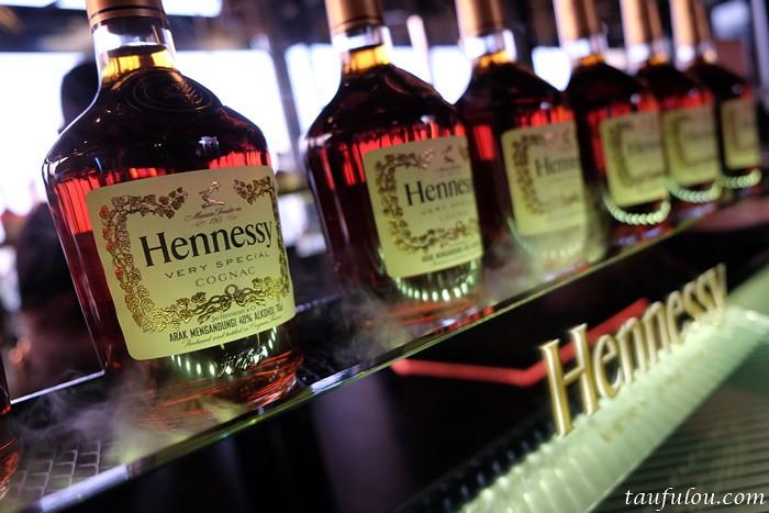 Hennessy (6)
