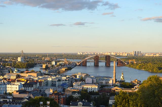 Статистика тішить: скільки метрів житла здали в експлуатацію в Україні