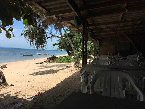 Beachfront Local Thai food Restaurant koh samui