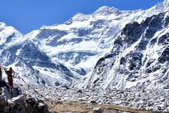 Die gewaltige Nordwand des Kanchenjunga, 8598 m, vom Basislager Pangpema, 5150 m. Foto: Dr. Franz Bundscherer.