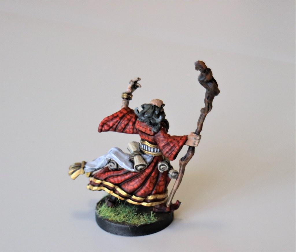 Runewars Miniatures Daqan Wizard