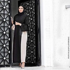 Repost @haneenalsaify with @instatoolsapp ??? What do you think about my heels ? From @migatome ?????? ?????? ? ?? ?????? @migatome??? #subhanabayas #fashionblog #lifestyleblog #beautyblog #dubaiblogger #blogger #fashion #shoot #fash