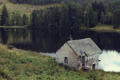 Hut on the Loch