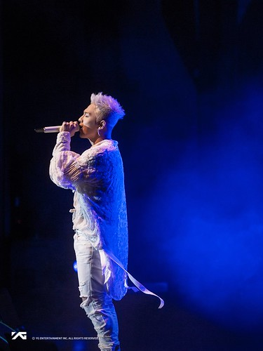 Taeyang WHITE NIGHT in San Jose 2017-09-10 (2)
