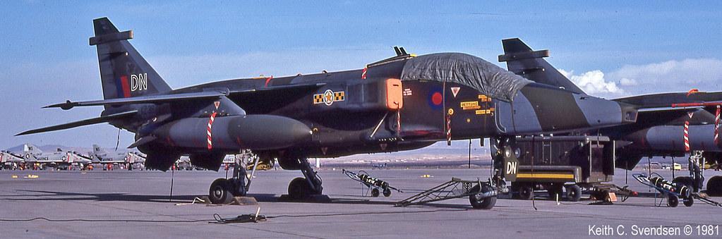 XZ387 31sq DN Red Flag 19810100 34cr