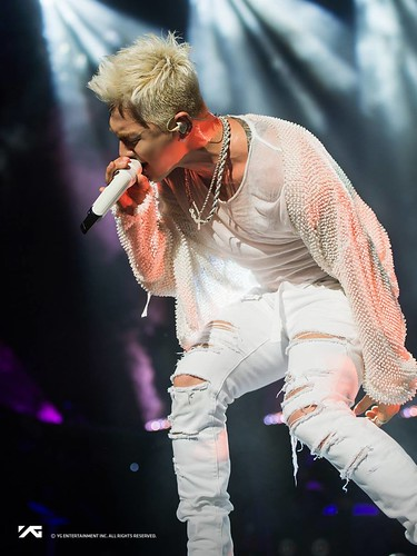 Taeyang WHITE NIGHT in Los Angeles 2017-09-12 by YG (2)