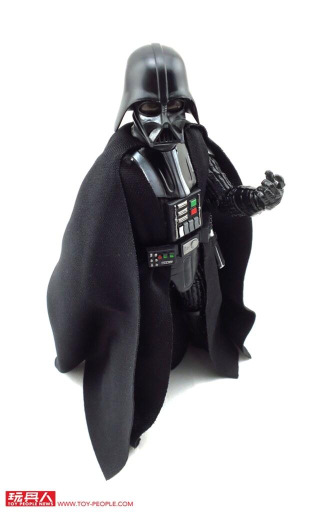橫亙銀河的大戰即將在掌心和桌上爆發!孩之寶《星際大戰:最後的絕地武士》 「黑標6吋人物組」&「黑標情境式雕像」達斯維德 開箱報告