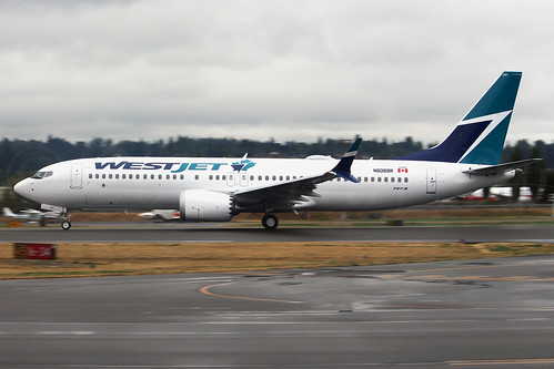 Boeing 737 MAX 8 WestJet N6069R