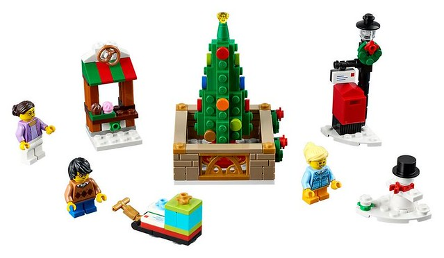 40263 Christmas Town Square 3