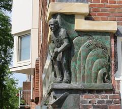 Amsterdam Rivierenbuurt Gaaspstraat hoek Trompenburgstraat  Sculptuur