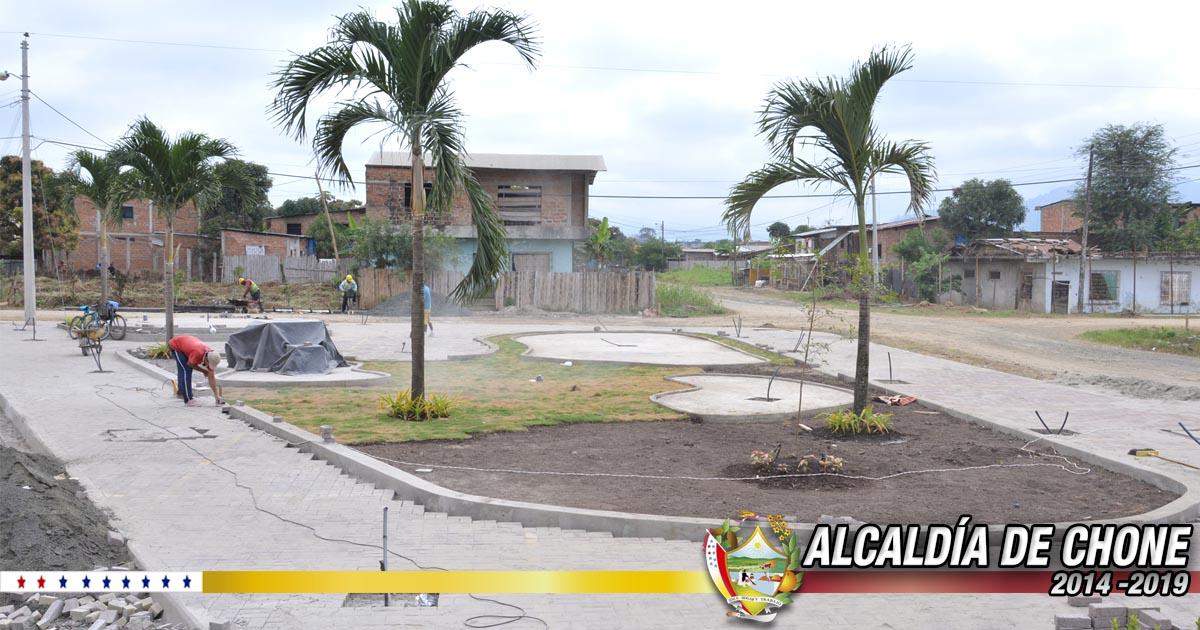 Continúan los trabajos en los parques Abdón Calderón y Cefisa