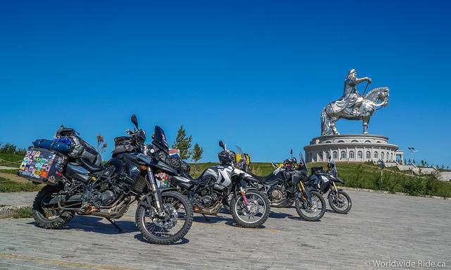 Mongolia Chiggis Khan Monument-9