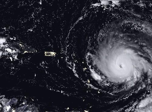 El ojo del huracán Irma pasa sobre Islas Vírgenes Británicas como categoría 5