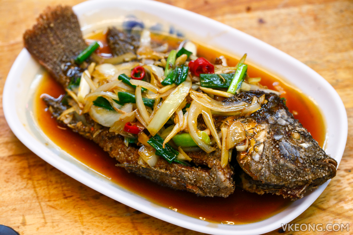 Fried Tilapia with Onion