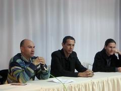 """Edson Hurtado, acompañado del poeta """"Puky"""" Gutiérrez y el cantante Ronakdo Vaca-Pereira."""