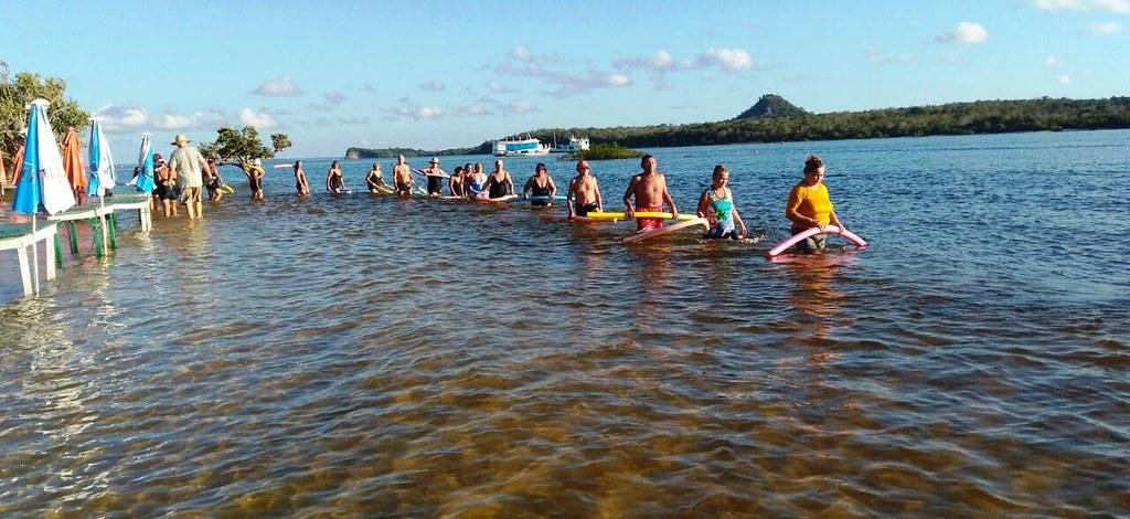 Hidroginástica na praia: idosos buscam qualidade de vida em Alter do Chão