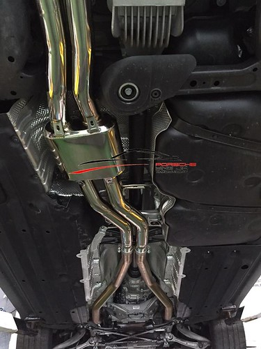Porsche Macan x Armytrix Exhaust