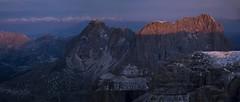 Sunrise from Piz Boè (3152 m. Gruppo del Sella) view on Sassolungo (Langkofel, 3181 m. Dolomiti, Dolomiten) & Ortles-Cevedale Massif (Alpi Retiche)