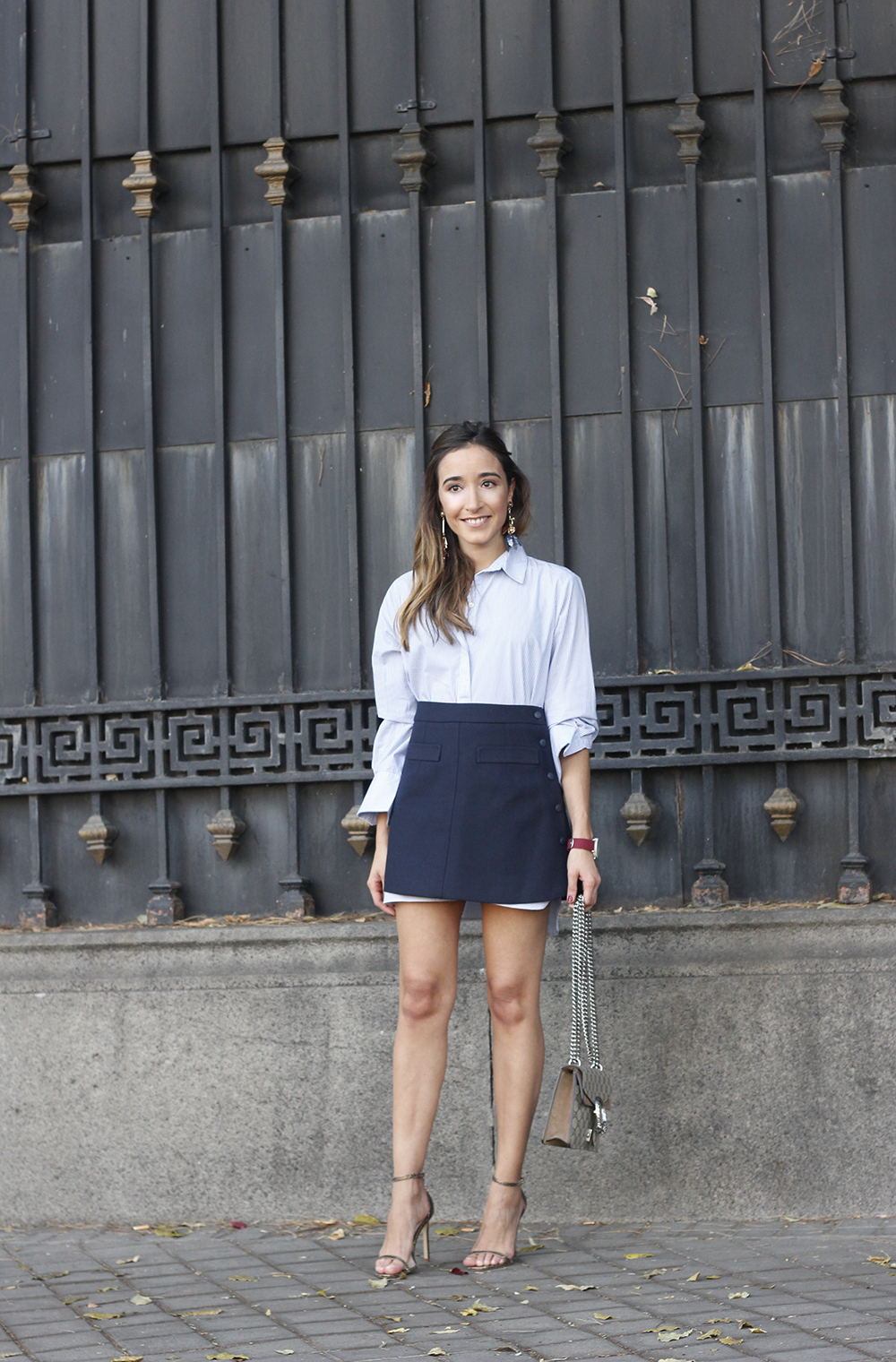 striped shirt blue navy skirt gucci bag heels outfit fashion style05