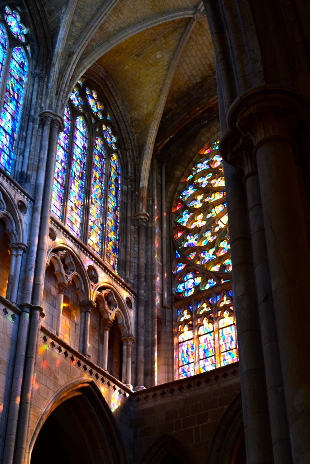 Stained Glass in St. Malo Cathedral | www.rachelphipps.com @rachelphipps