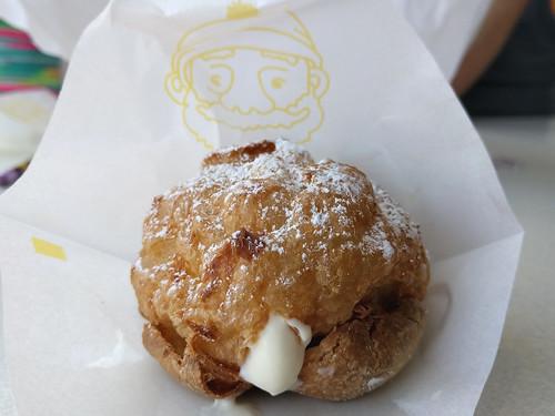 Cream puff from Beard Papa