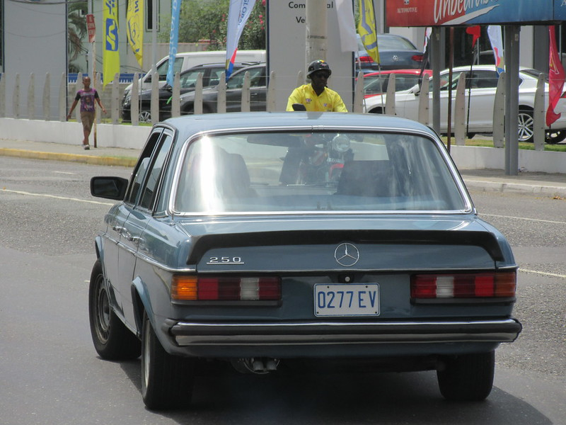 Mercedes-Benz W123 (Jamaica)