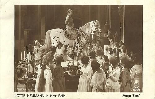 Lotte Neumann in Arme Thea (1919)