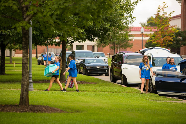 2017 Welcome Week: Returning Students Move-In & Tech the Day Away | 8/20/17