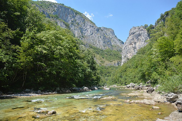 Rafting rapids on the Neretva river