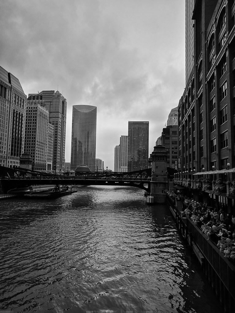Hotels Near  South Riverside Plaza Chicago Il