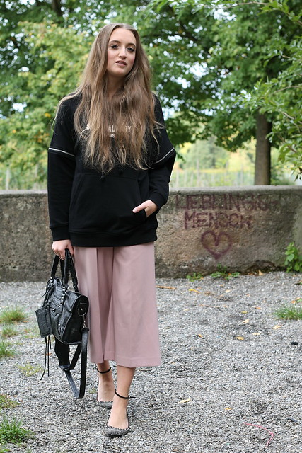 hoodie-and-culottes-whole-look-wiebkembg