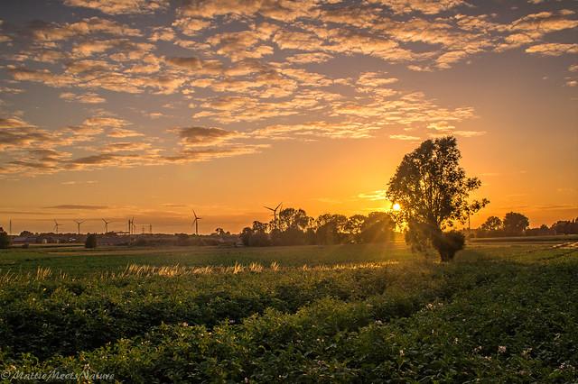 zonsondergang aangepast (1 van 1), Nikon D3200, Sigma 24-70mm F2.8 EX DG Macro