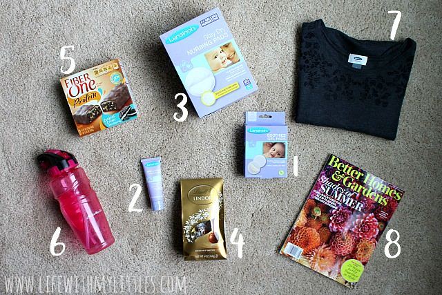This breastfeeding survival kit is full of things to help make breastfeeding easier and more comfortable for new mamas! A great baby shower gift idea!