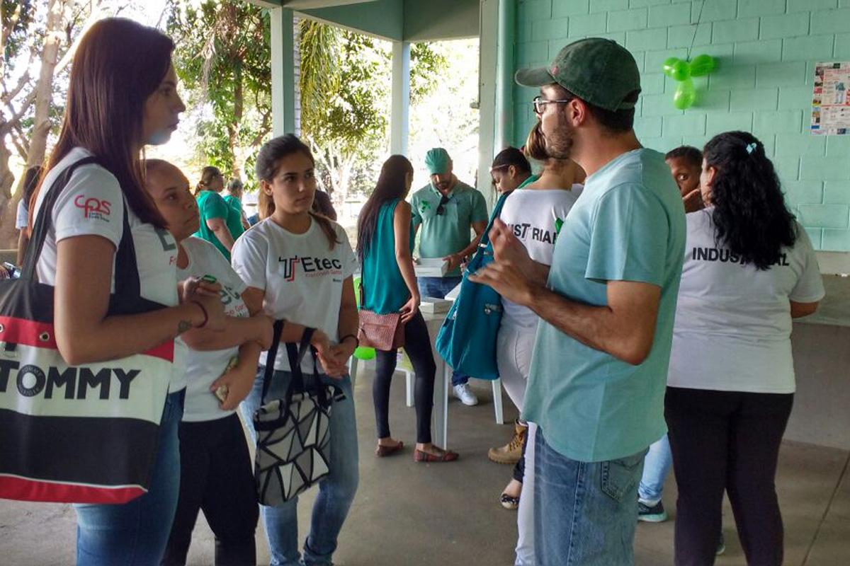 Etecs e Fatecs recebem novos alunos com brincadeiras e campanhas beneficentes